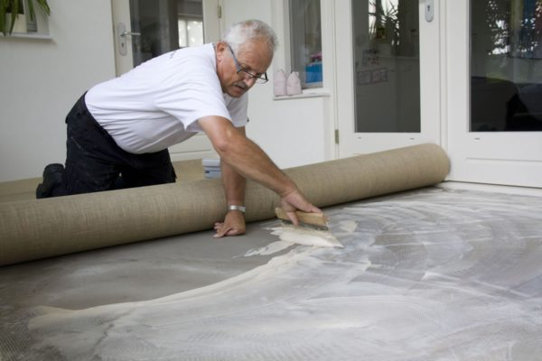 stofferen leggen stof tapijt bekleding klassiek
